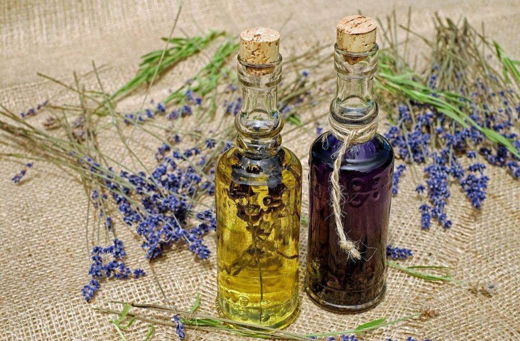 lavender-oil-best essential oil for athlete's foot